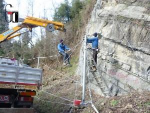 Montaggio barriera paramassi s.s.-18-Tirrena-Inferiore-loc.-Cuccaro-Vetere